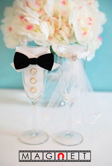 Очарователна сватбена идея за чашите на младоженците