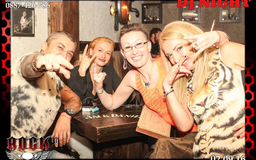 Подаръци за гости Магнитни снимки бар Rock It – 02.09.16